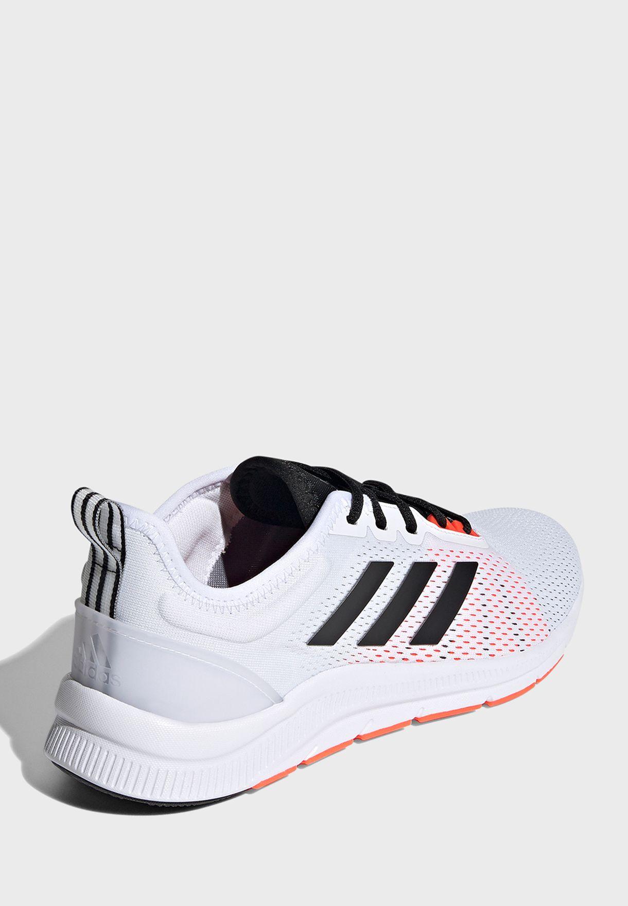 حذاء ازويرن ترين