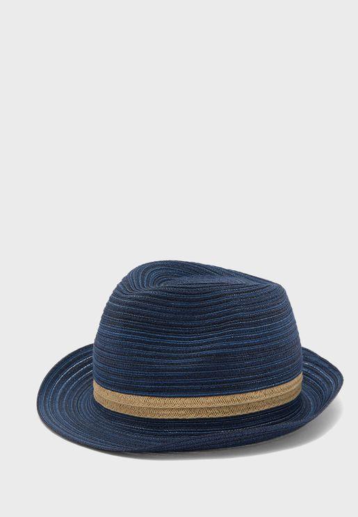قبعة سهلة الارتداء