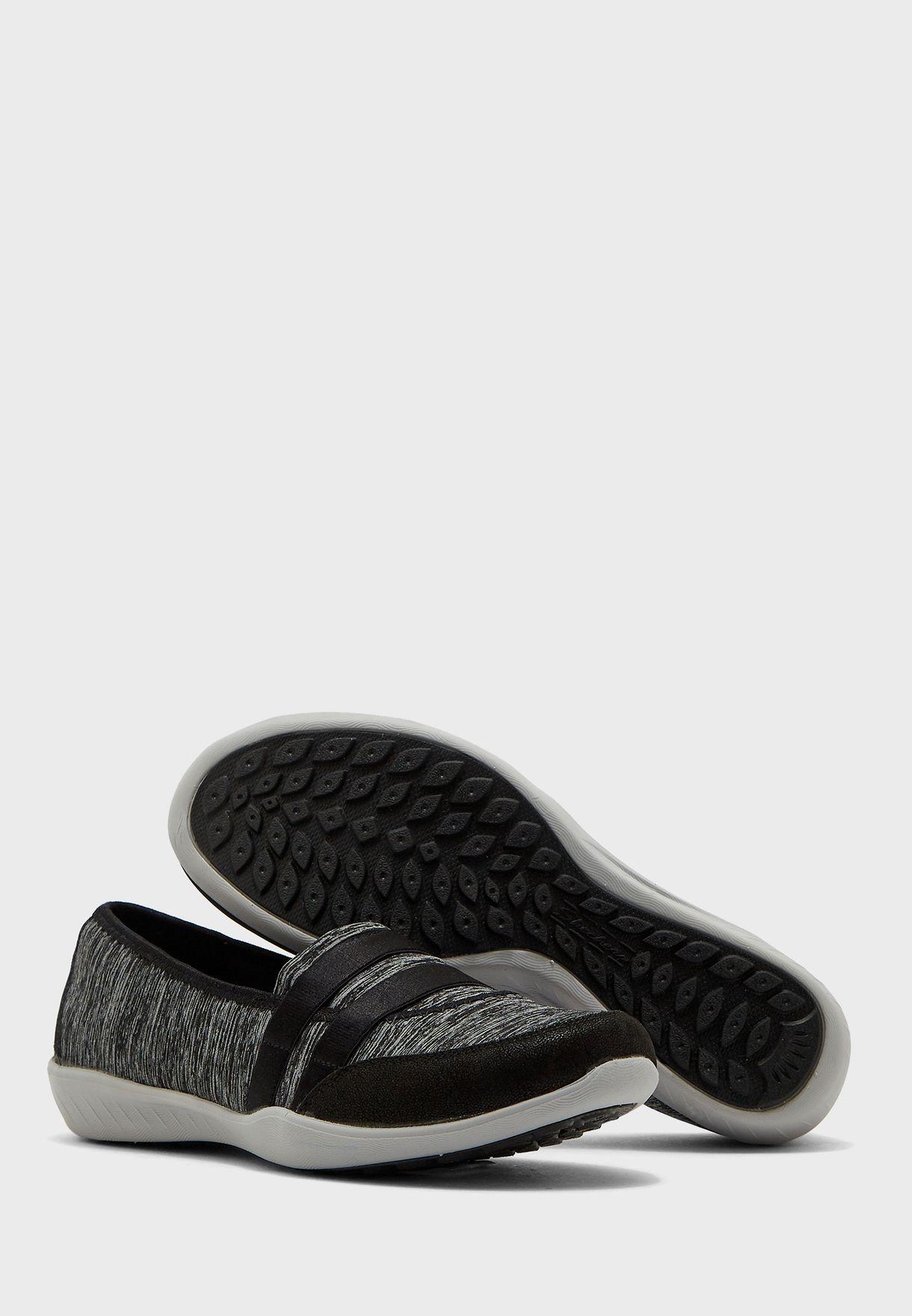 حذاء نيو بري اس تي