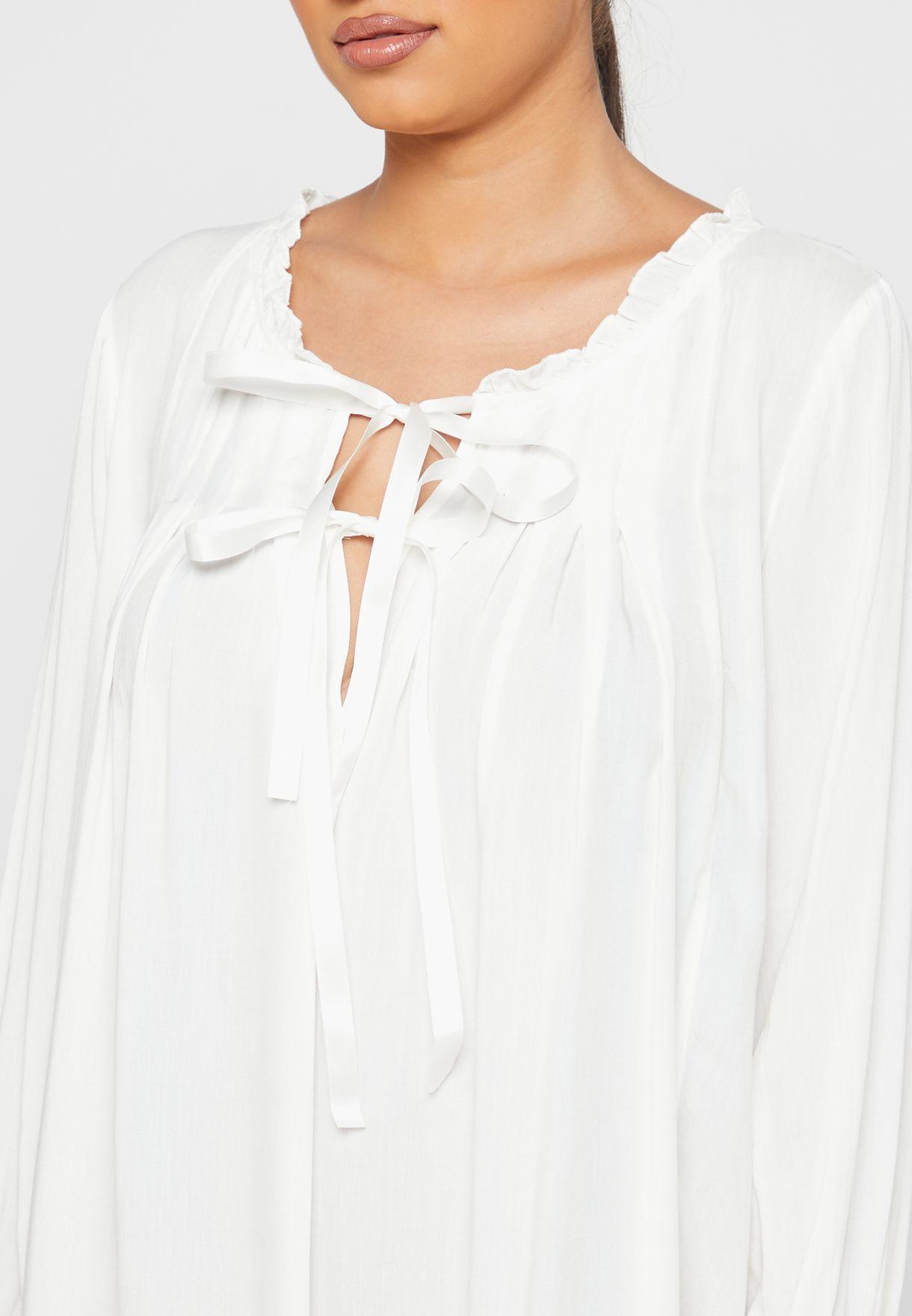 قميص نوم باربطة عند الياقة