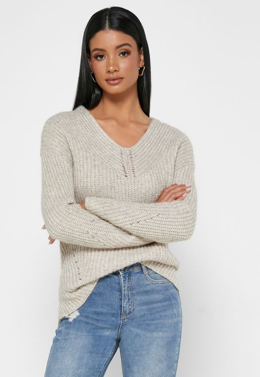 Rieliaa V-Neck Cable Knit Sweater