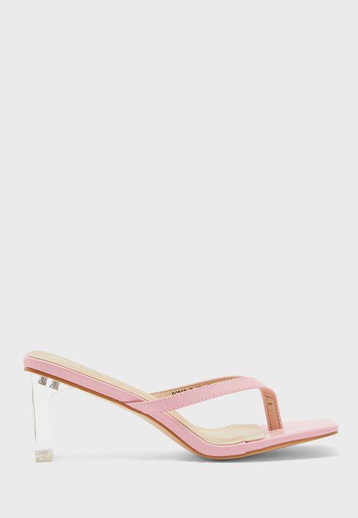 حذاء بكعب عالي شفاف واصابع مربعة