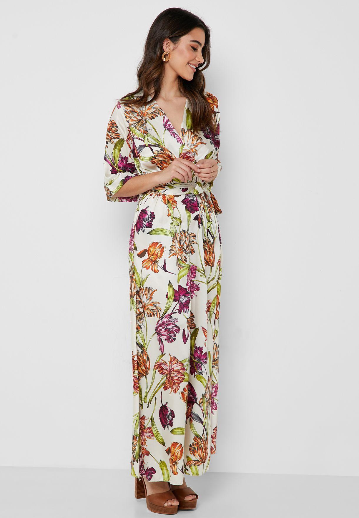 فستان مكسي بنمط لف وطبعات ازهار