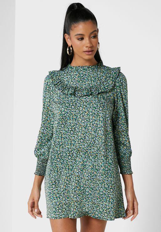 فستان بياقة عالية وطباعة زهور