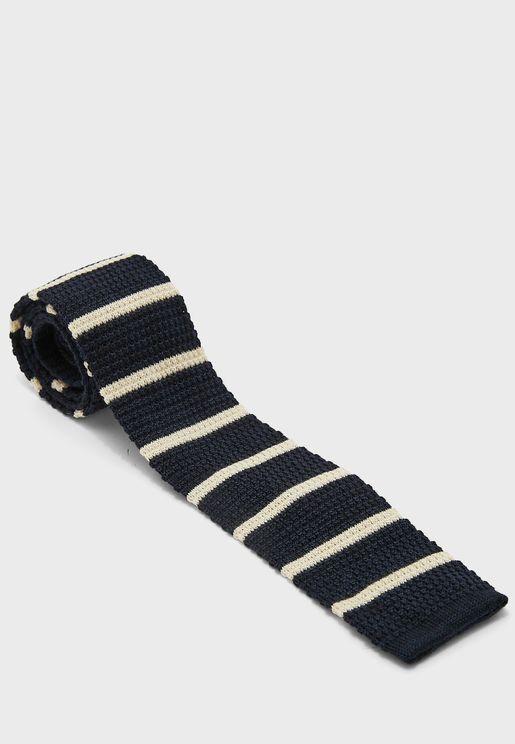 ربطة عنق محبوكة