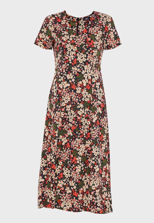 فستان بطبعات ازهار وشق امامي