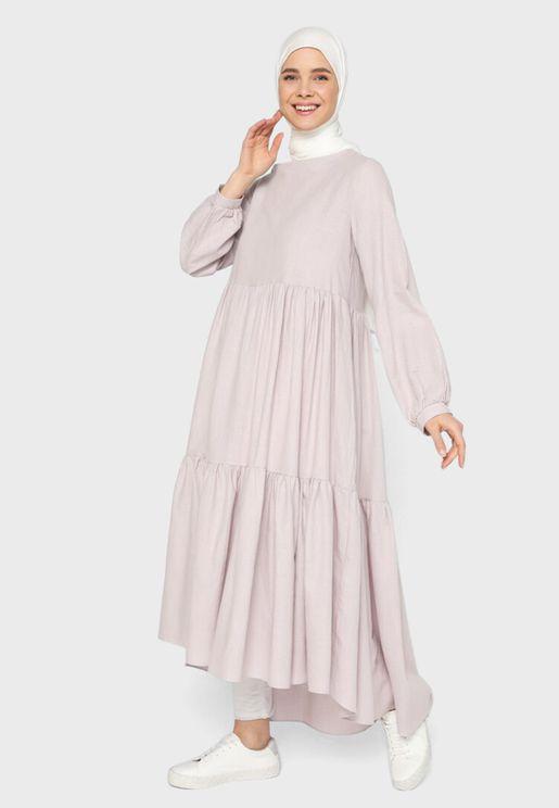 فستان بكسرات وطبقات متعددة