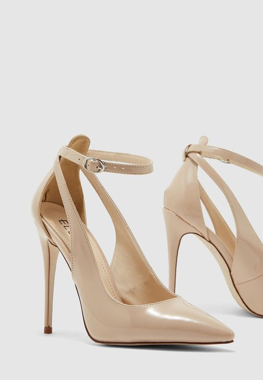 Pumps With Cut Out Detail