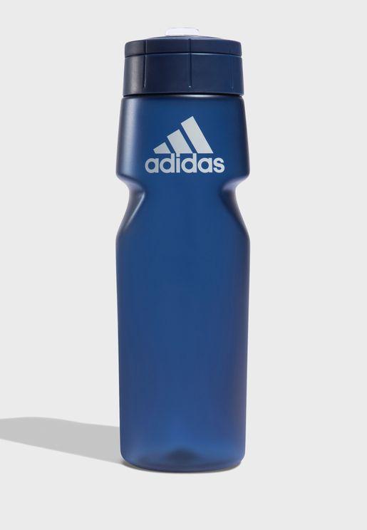 قارورة ماء بشعار الماركة