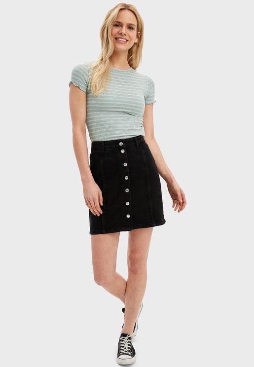 تنورة جينز قصيرة