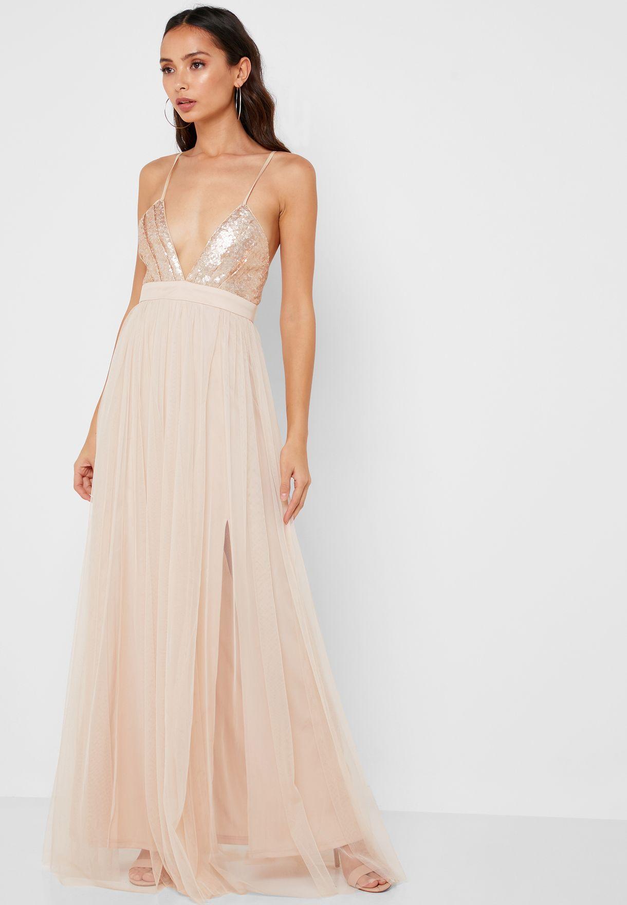 فستان بحمالات ومزين بترتر
