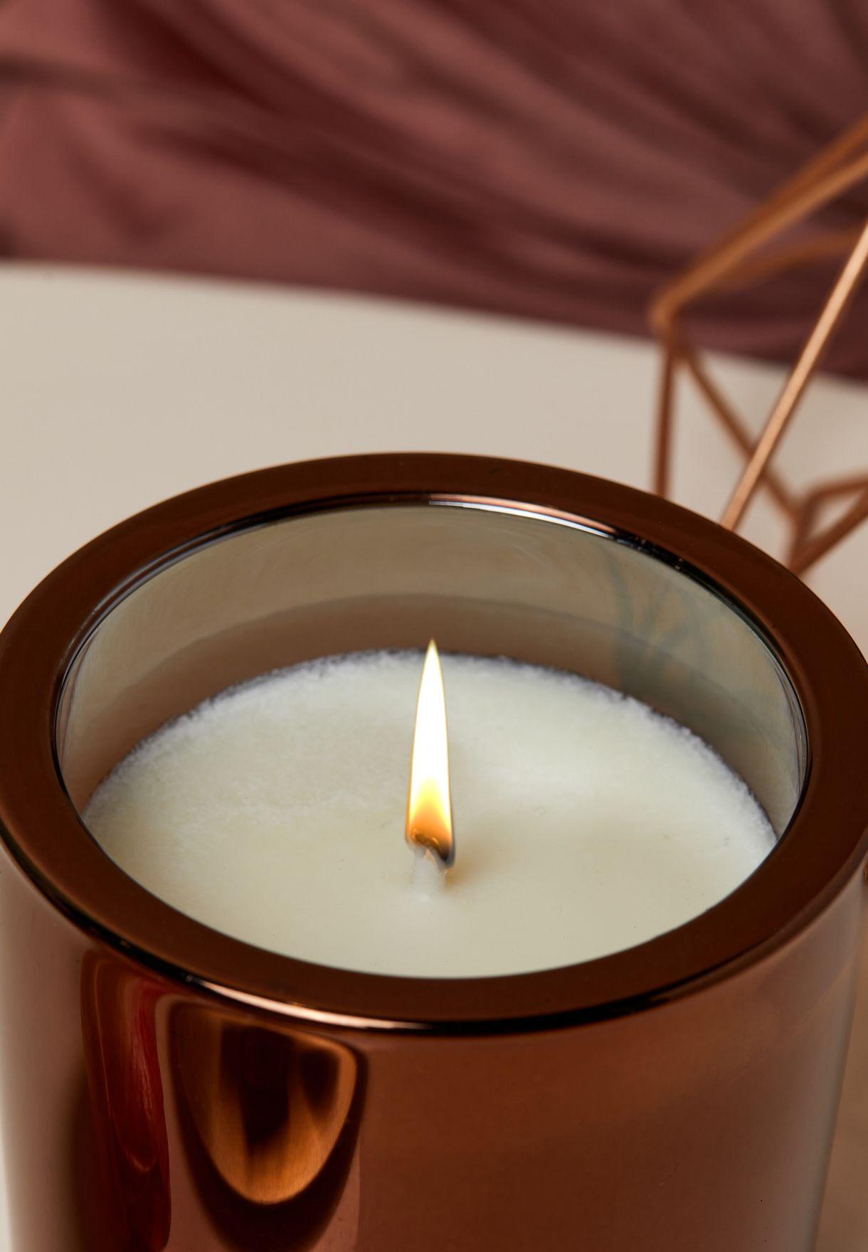 شمعة عطرية بالعود والزعفران 200 مل