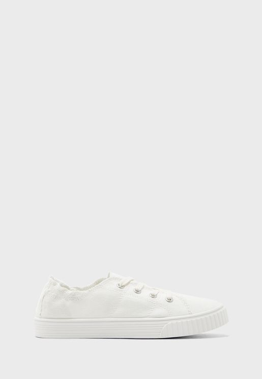 Marisa Low Top Sneaker