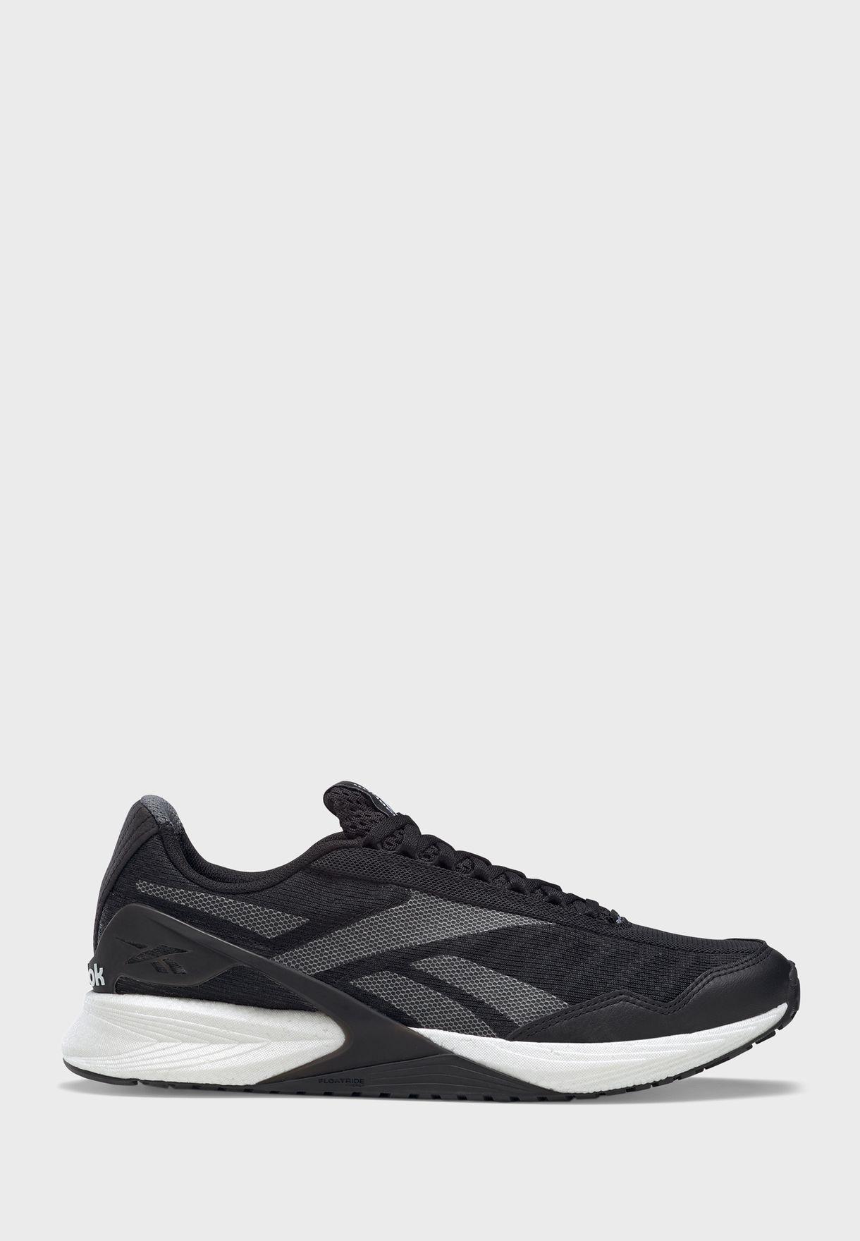 حذاء سبيد 21 تي ار