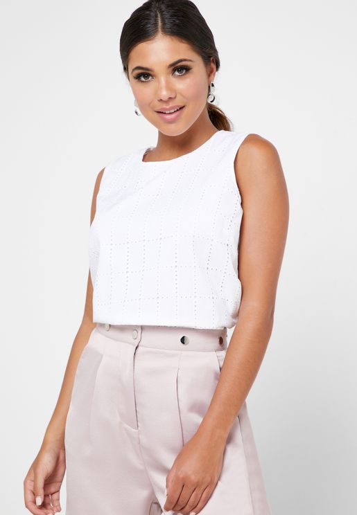 Back Keyhole Broderie Top