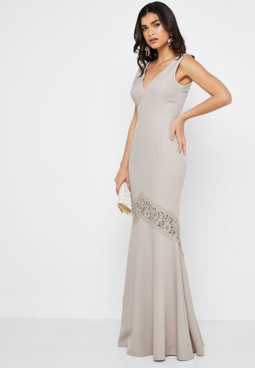 فستان بتداخل دانتيل