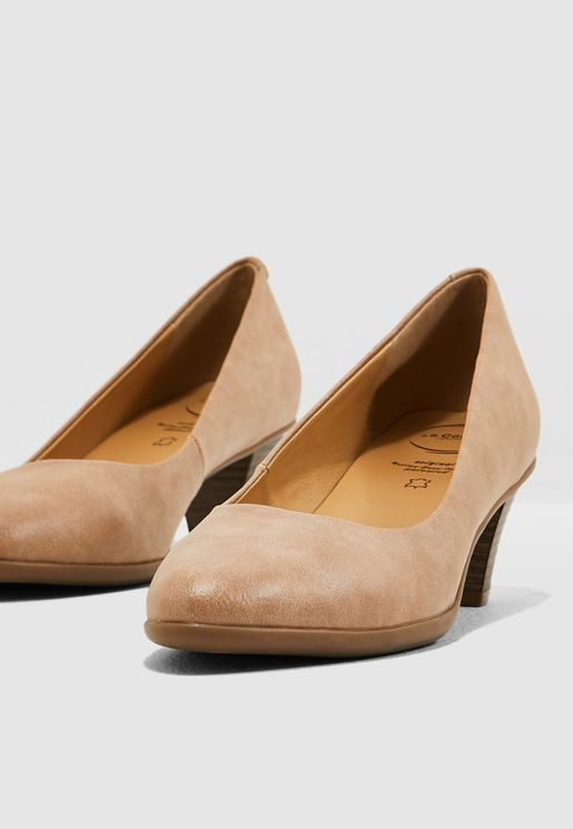 حذاء انيق ومريح