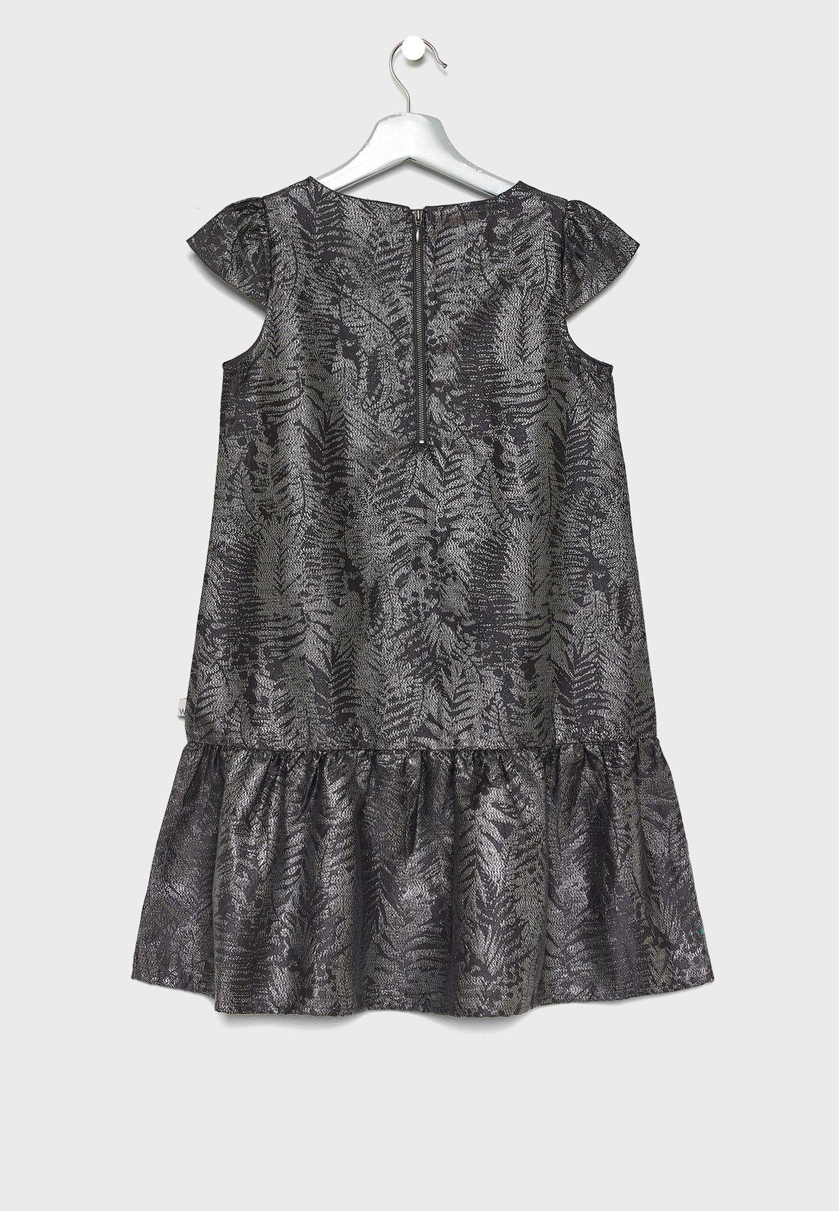 فستان ميتاليك بحافة كشكش
