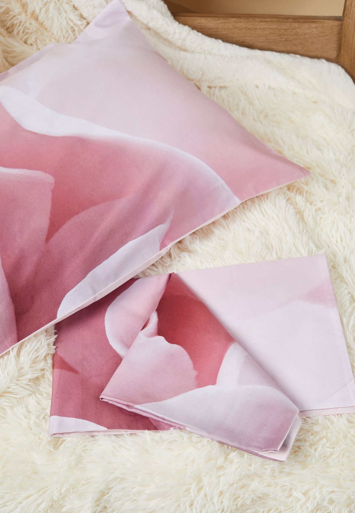 غطاء لحاف ووسائد مطبعة