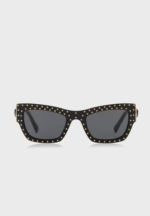 نظارة شمسية واي فيرر مزينة بدبابيس