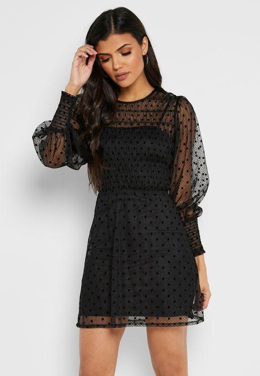 فستان باكمام ذات اساور