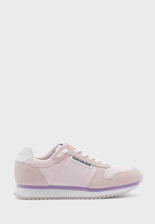 Runner Low Top Sneaker
