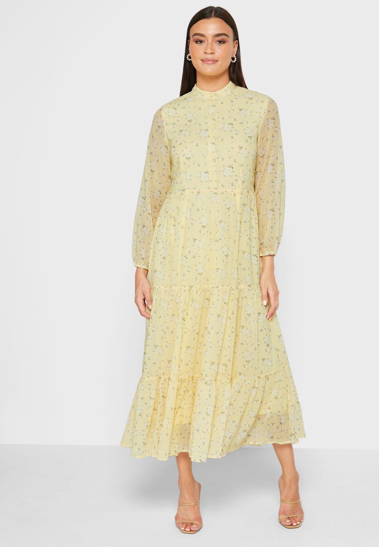 فستان بطبعة ورود