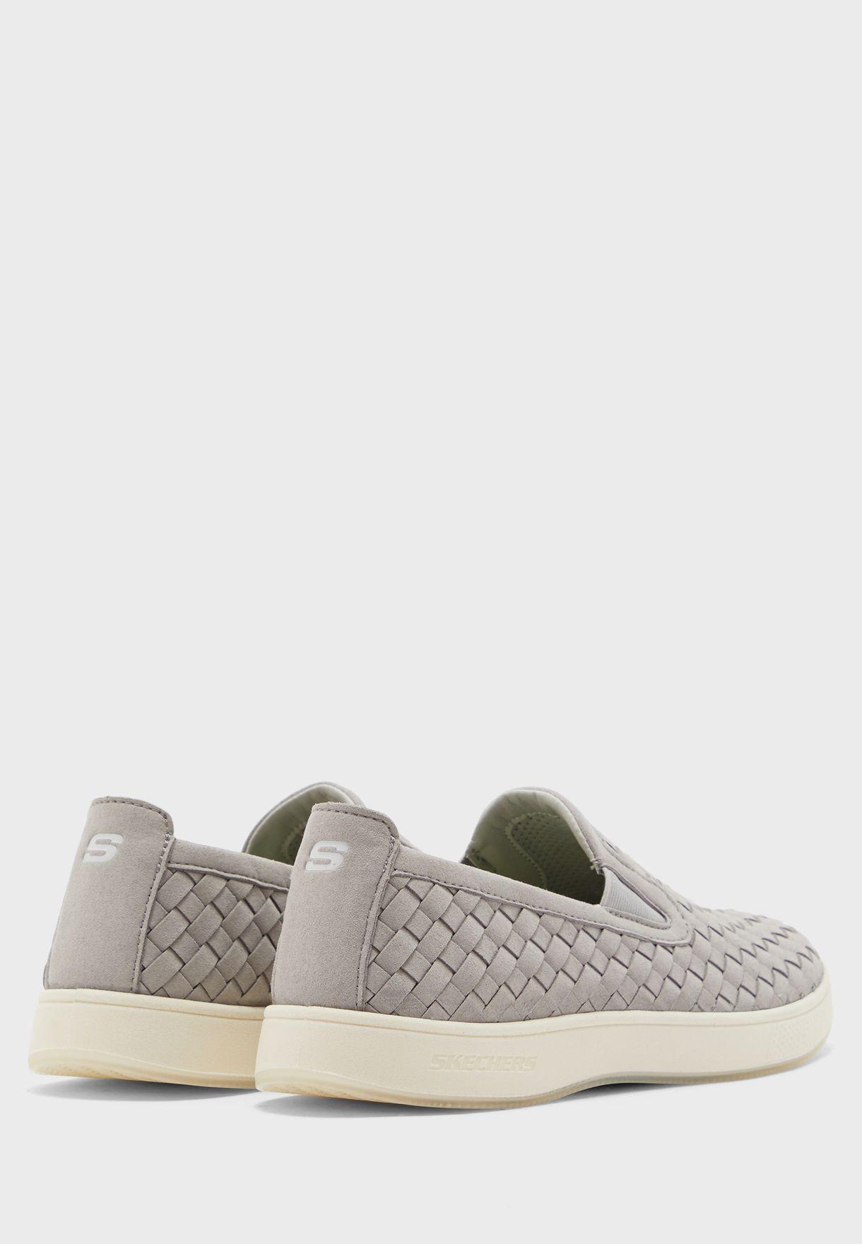 حذاء مولانو