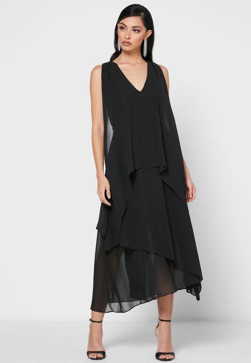 فستان مكشكش بياقة U
