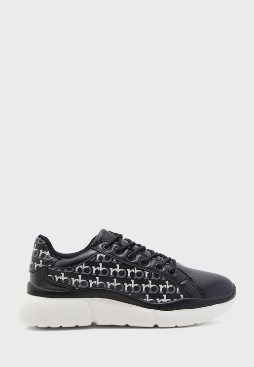 Cloy Low Top Sneaker