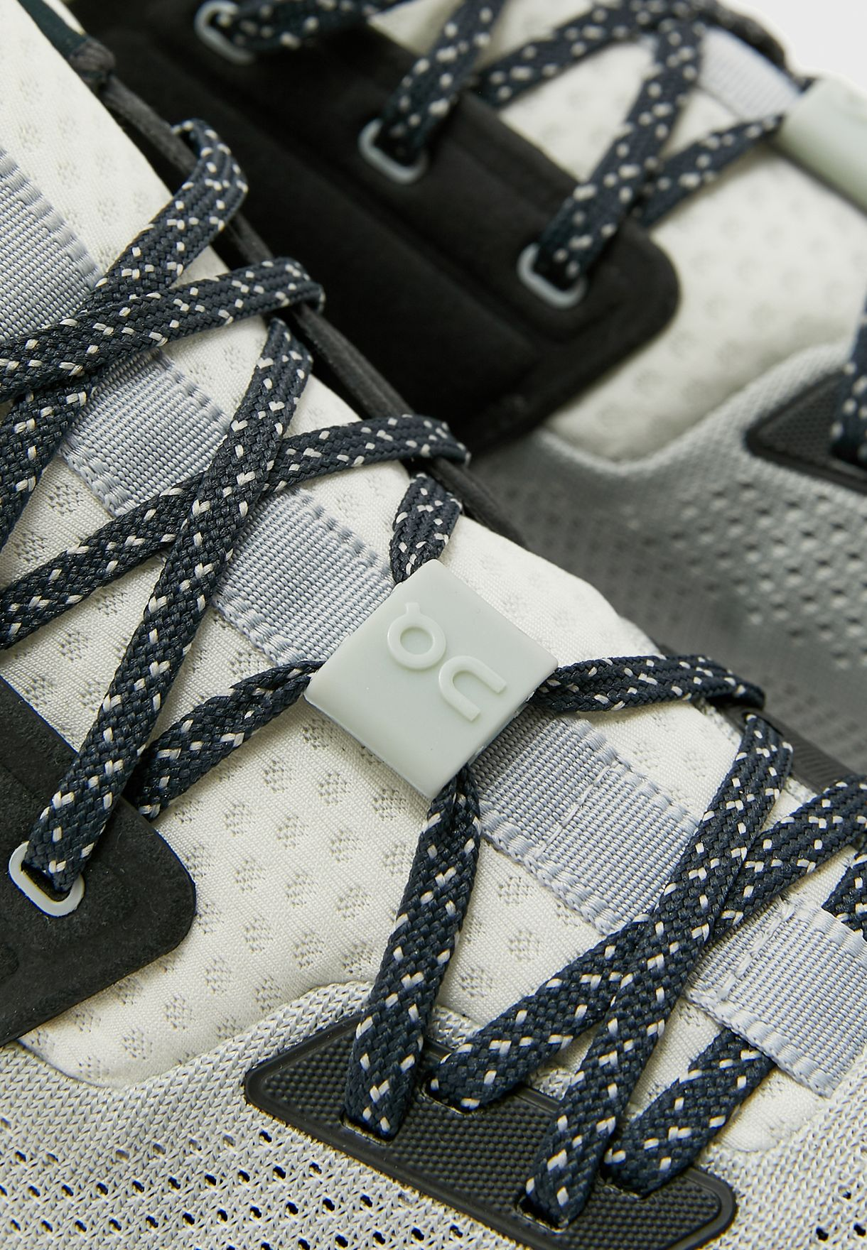 حذاء كلاود هاي إيدج