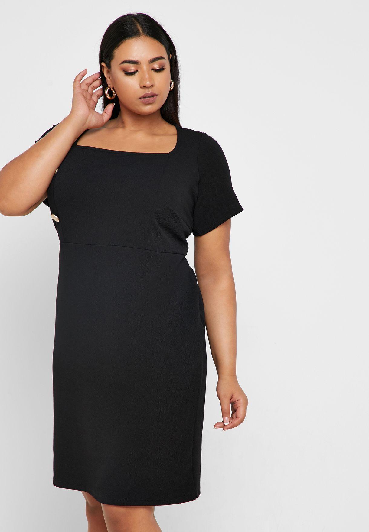 فستان بأزرار جانبية
