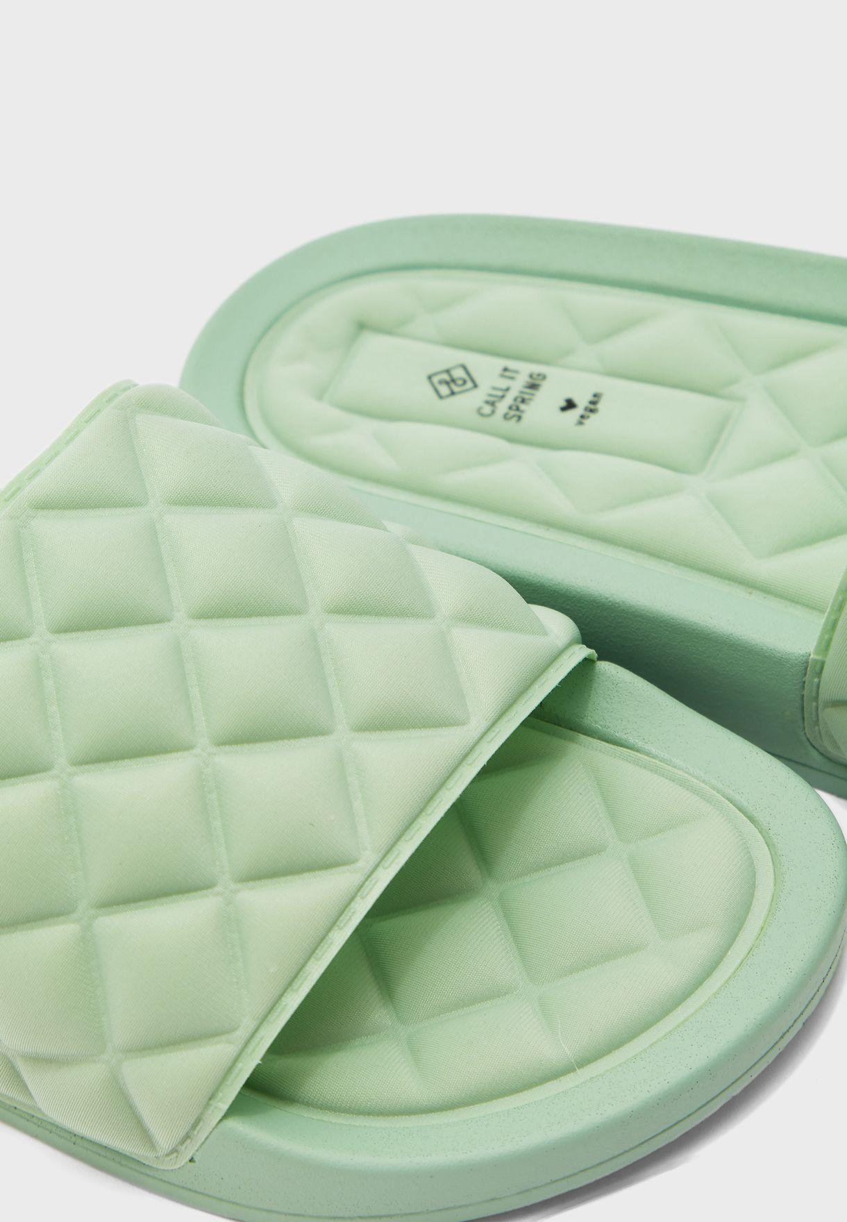 Kaeaniell Flat Sandals
