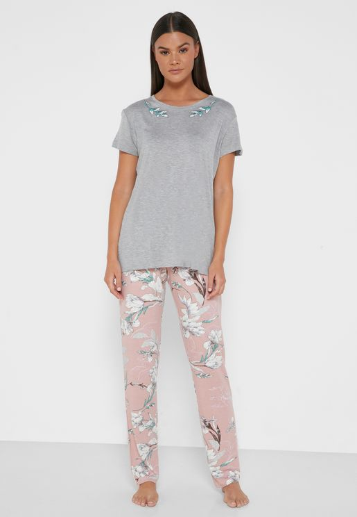 T-Shirt & Printed Pyjama Set