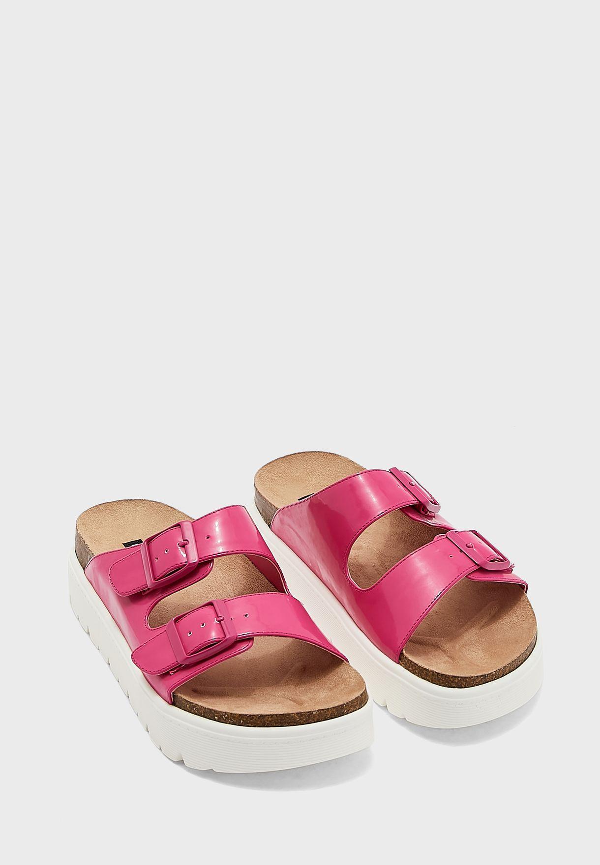 Simple3 Buckle Low-Heel Sandals