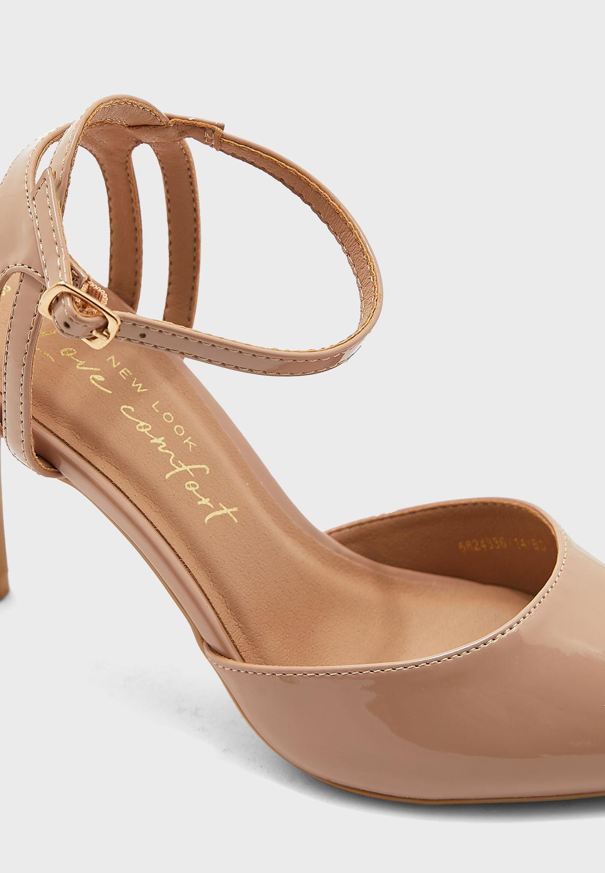 حذاء بسير كاحل وكعب متوسط