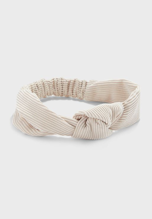 ربطة شعر مزينة بعقدة