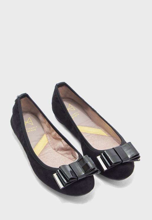 حذاء باليرينا بمقدمة دائرية