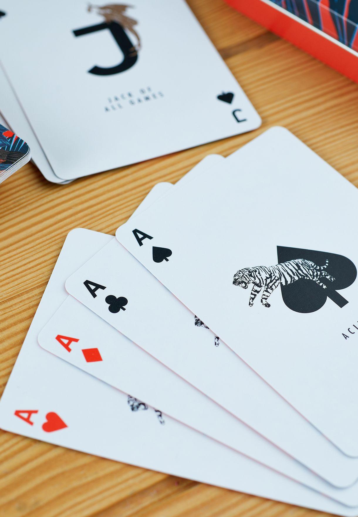 بطاقات لعب مع حافظة