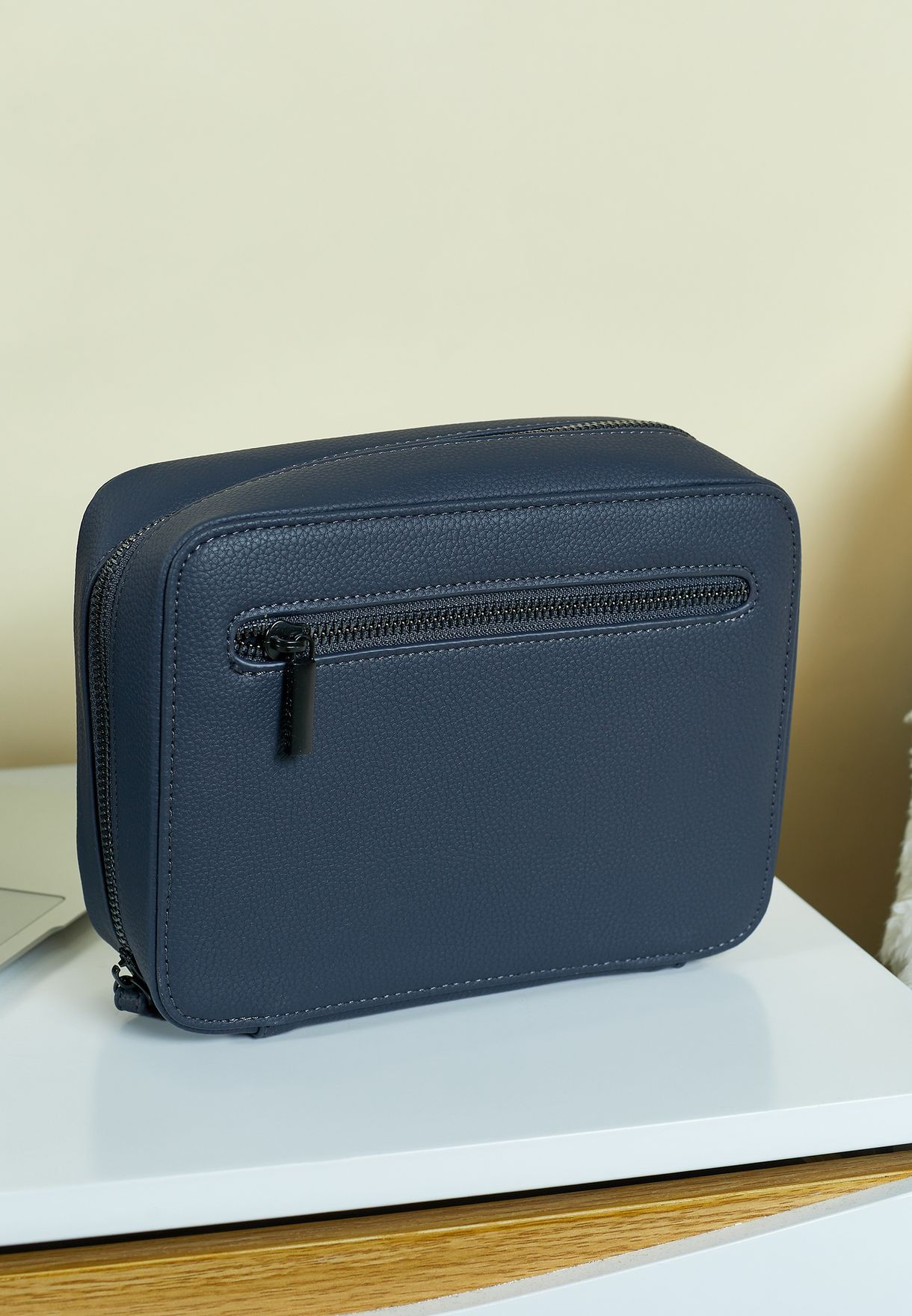 Navy Blue Pebble Tech Cable Tidy