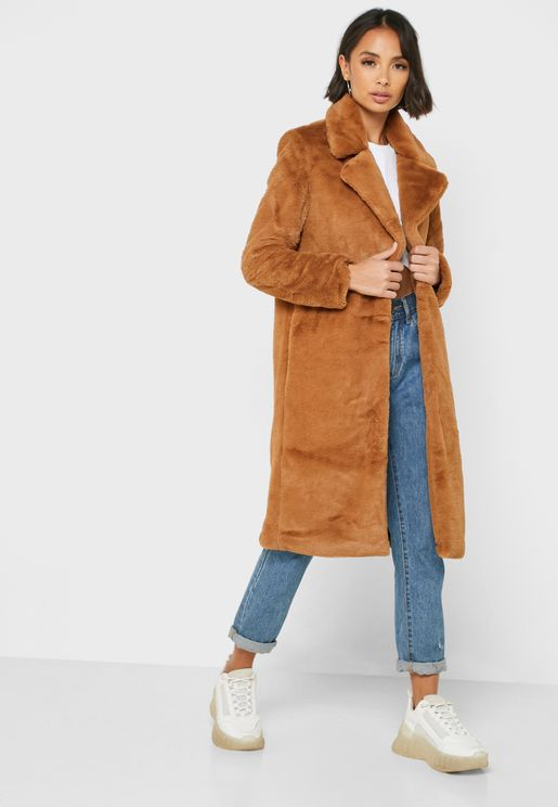 معطف فرو طويل