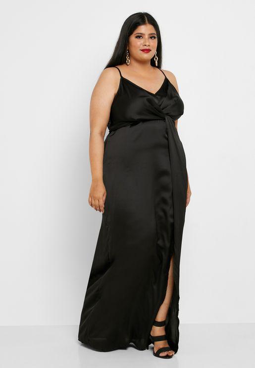 فستان مزين بعقدة
