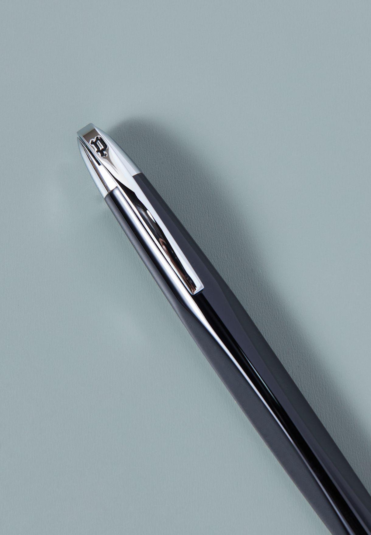 قلم حبر اسود