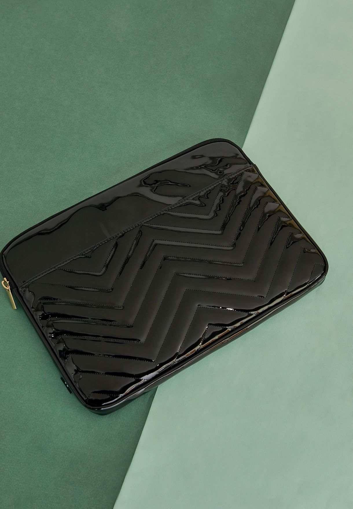 13' Take Charge Laptop Cover