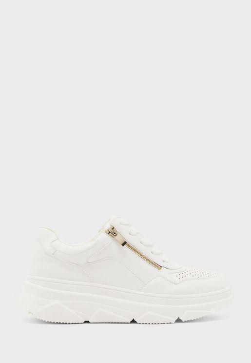 Traker Low Top Sneaker