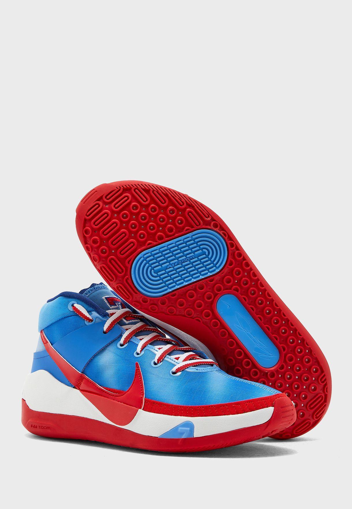 حذاء من مجموعة كيفن ديورانت