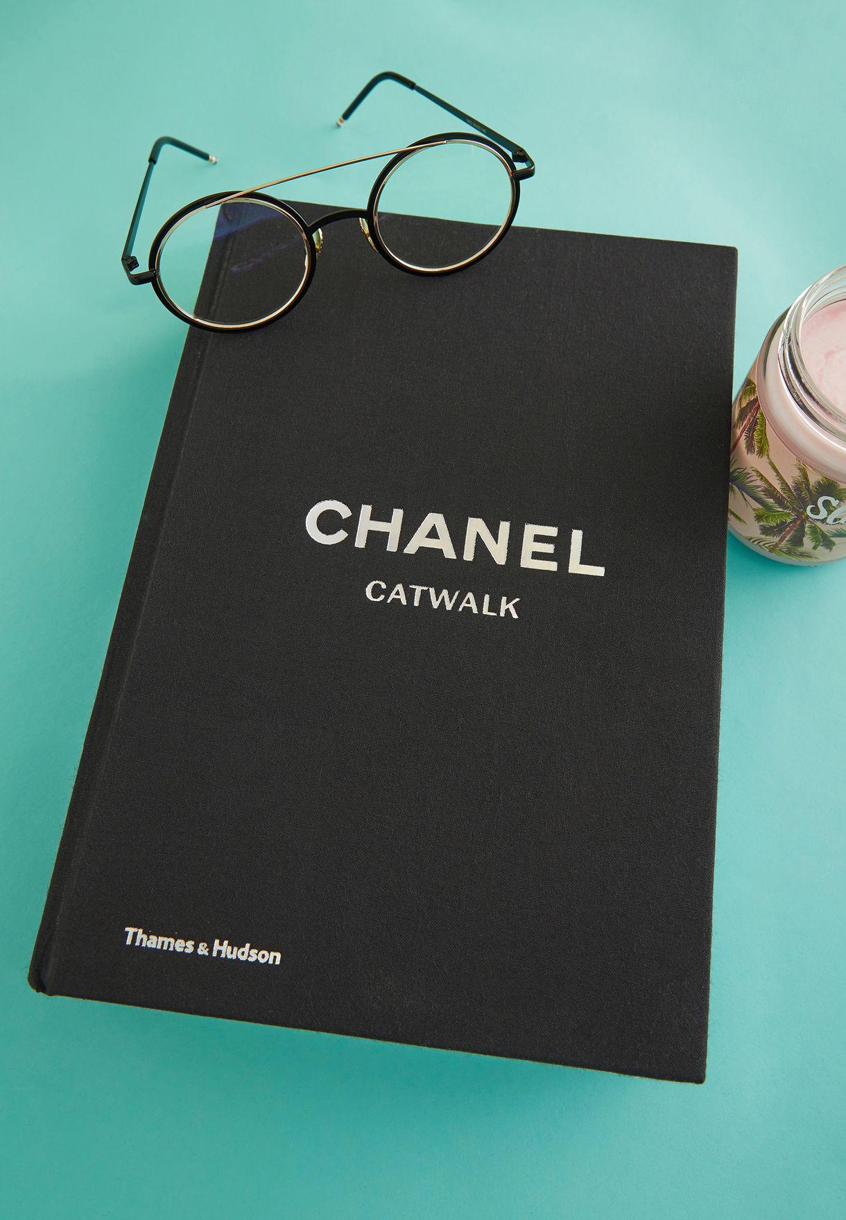 كتاب شانيل - كات ووك كارل لاغرفيلد