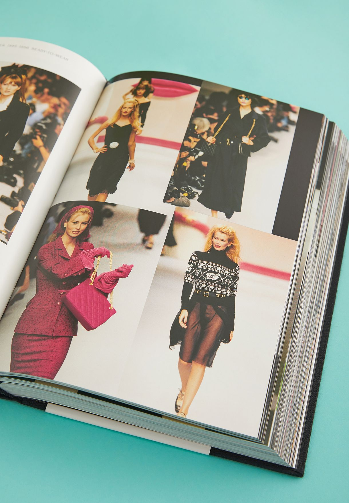 Chanel - Catwalk Karl Lagerfeld Book