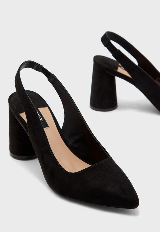 حذاء بكعب سميك وسير في الخلف
