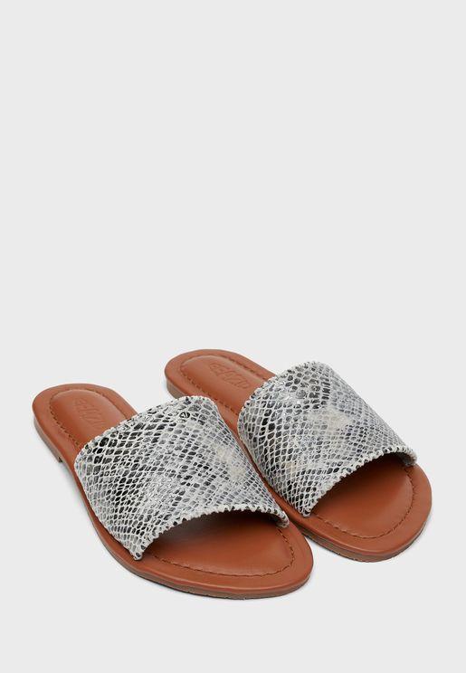 Aisha Flat Sandal